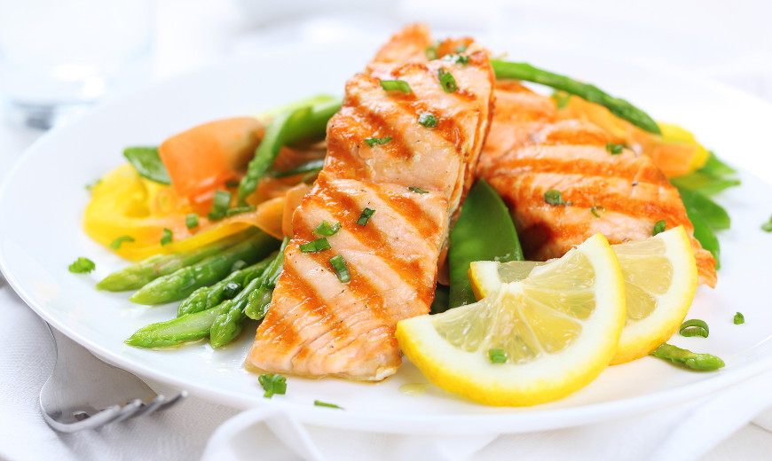 salmon-with-asparagus